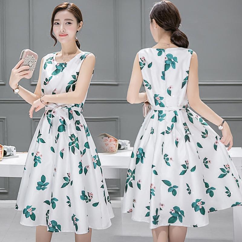 **สินค้าหมด Dress3973 ชุดเดรสยาวทรงสวยลายใบไม้พื้นสีขาว มีผ้าผูกเอว ผ้าซาตินซิลค์เนื้อหนามีน้ำหนักทิ้งตัวสวย มีซับในทั้งชุด งานสวยหรูตัดเย็บอย่างดี ผ้าสวยเกินราคา ใส่ออกงานได้เลยจ้า