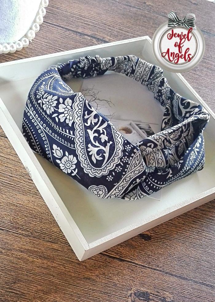ผ้าคาดผมแฟชั่นโบฮีเมียนสีน้ำเงินลายดอกไม้สีขาว