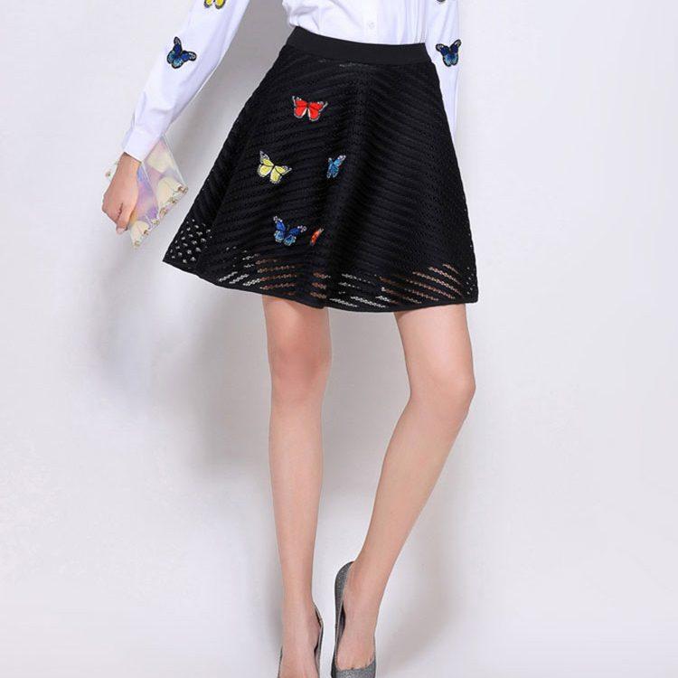 Skirt311 กระโปรงแฟชั่นเกาหลี ซิปหลัง มีซับใน ผ้าตาข่ายเนื้อหนาสวยสีพื้นดำ งานแต่งรูปผีเสื้อ 3D เก๋ๆ แบบไม่ซ้ำใคร แมทช์กับเสื้อได้หลายแบบ งานน่ารัก ใส่เก๋ๆ ได้บ่อย