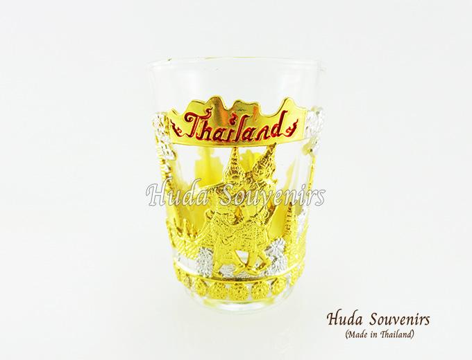 ของที่ระลึกไทย แก้วเป๊กเดี่ยว ลวดลายเอกลักษณ์ไทย ปั้มลายเนื้อนูน สินค้าบรรจุในกล่องมให้เรียบร้อย สินค้าพร้อมส่ง