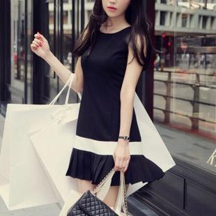 """size M""""พร้อมส่ง""""เสื้อผ้าแฟชั่นสไตล์เกาหลีราคาถูก Brand Milk Cocoa เดรสแขนกุดสีดำต่อสีขาว ชายระบาย ซิปหลัง ไม่มีซับใน สวยค่ะ"""