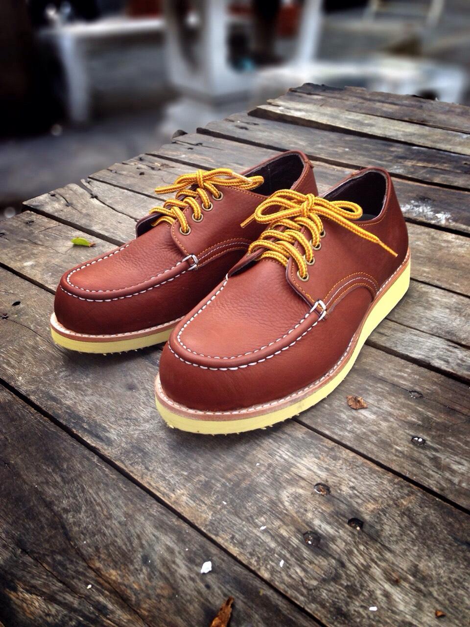 รองเท้าผู้ชาย | รองเท้าแฟชั่นชาย Red Brown Boat Shoe หนังชามัวร์ (หนังลูกวัวแท้)