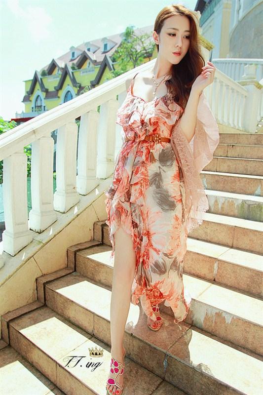 """""""พร้อมส่ง""""เสื้อผ้าแฟชั่นสไตล์เกาหลีราคาถูก Brand Fashion shower เดรสสายเดี่ยว ผ้าชีฟองลายดอกไม้สีส้ม สายปรับความยาวได้ สม๊อกหลัง ผ่าด้านหน้าชุด ช่วงขา"""