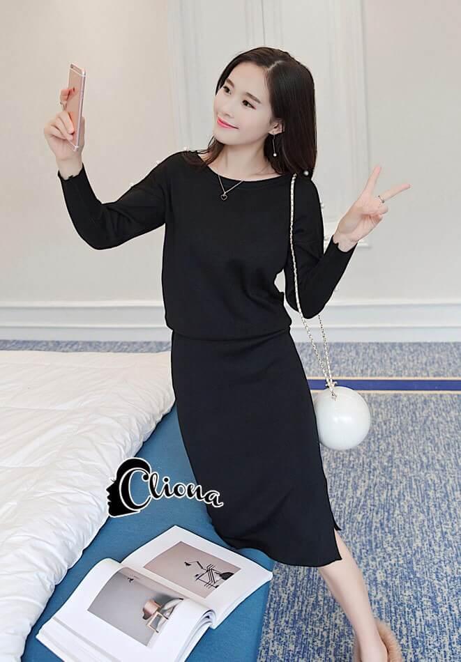 เสื้อผ้าเกาหลี พร้อมส่งเสื้อไหมพรมเนื้อนิ่มละเอียดจับเซ็ตกับกระโปรงยาวผ่าข้าง