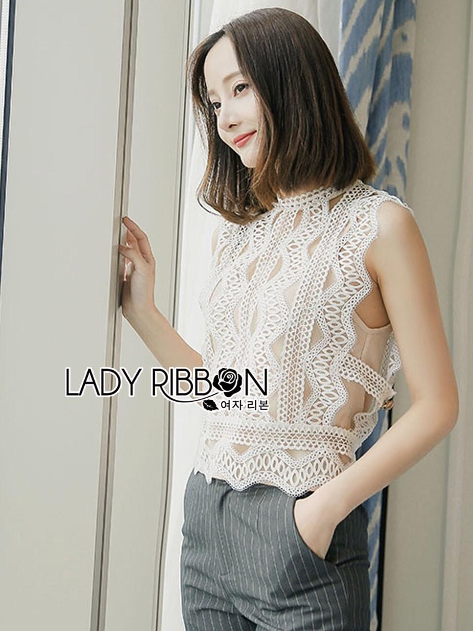 เสื้อผ้าเกาหลีพร้อมส่ง เสื้อผ้าลูกไม้ขาวทรงแขนกุดพร้อมซับในสีนู้ด