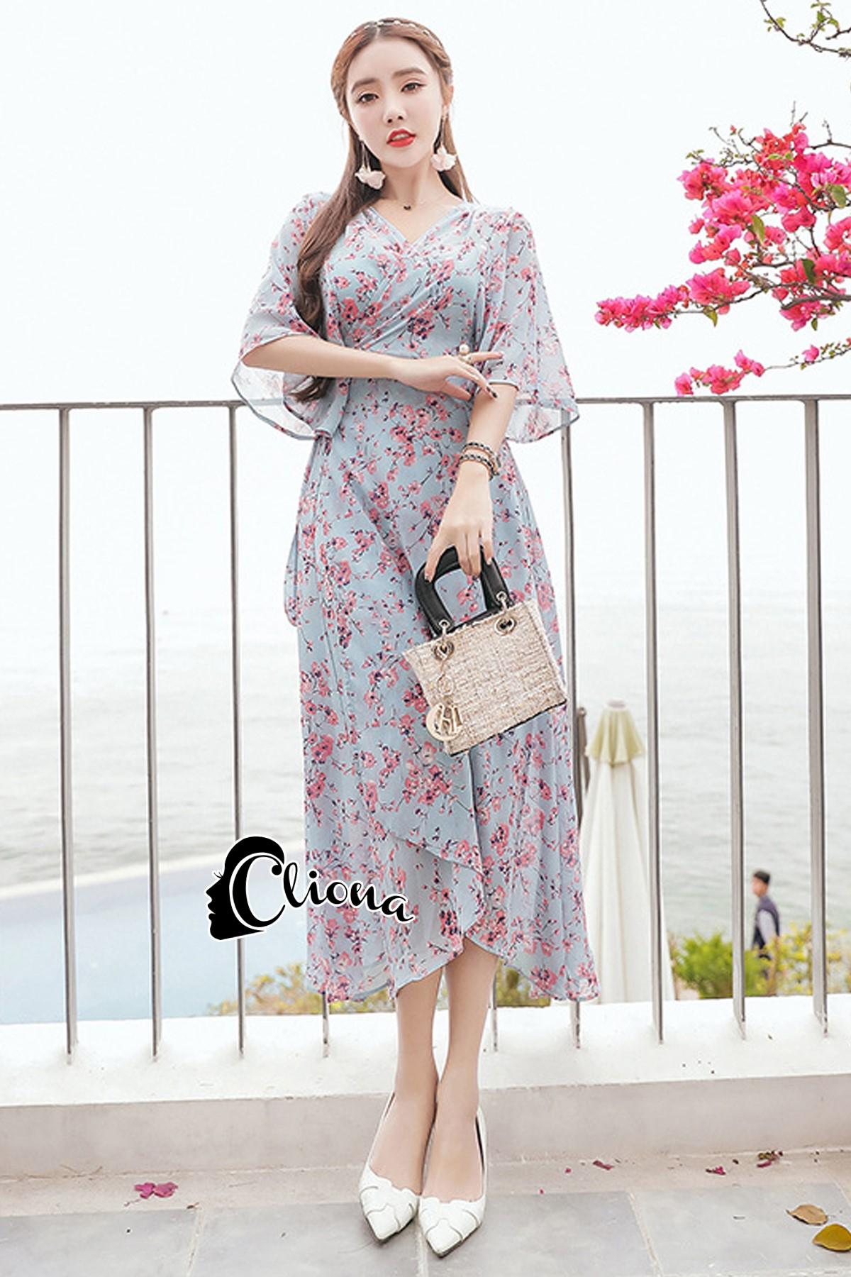 ชุดเดรสเกาหลีพร้อมส่ง เดรสลายดอก ผ้าเป็นผ้าชีฟอง ทรงเสื้อคลุม