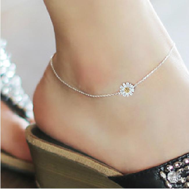 สร้อยข้อเท้าเกาหลีประดับด้วยดอกเดซี่สีขาว