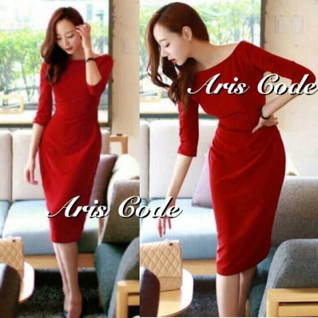 DR-LR-271 Elizabeth's dress colored red by Aris Code
