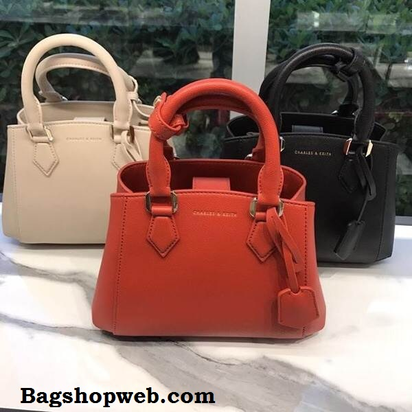 CHARLES & KEITH STRUCTURED TOP HANDLE HANDBAG 2017 *สินค้าOutlet