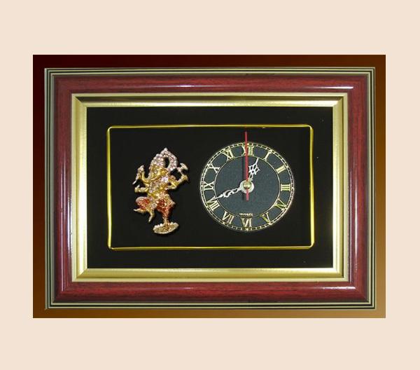 ของที่ระลึก กรอบนาฬิกาพระพิฆเนศ ปางศิลปะร่ายรำ ขนาด 9 นิ้ว x 7 นิ้ว