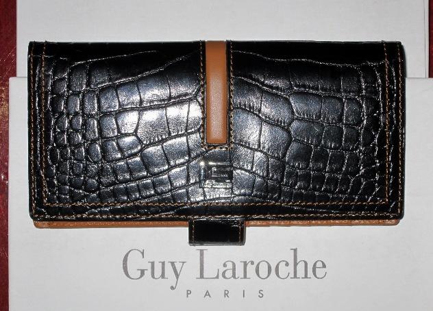 กระเป๋าGuy Laroche