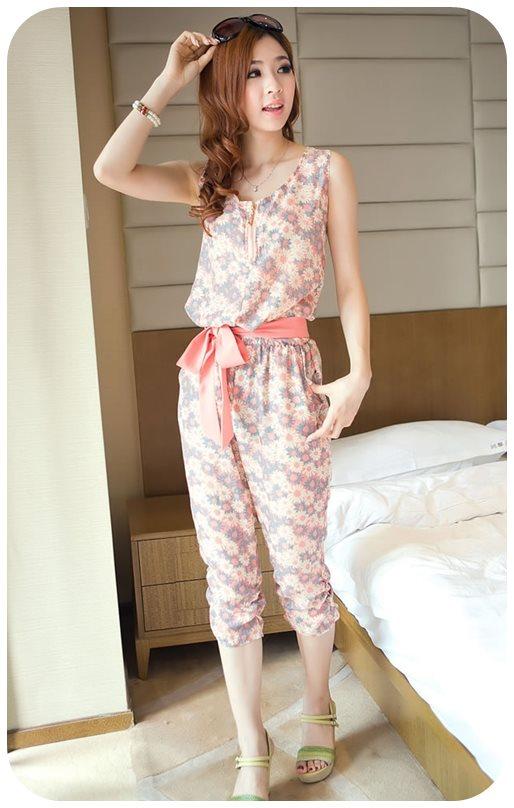 K1066 หมดค่ะ จั้มสูทลายดอกเดซี่สีชมพูสวยๆจ้า+ผ้าคาดเอว