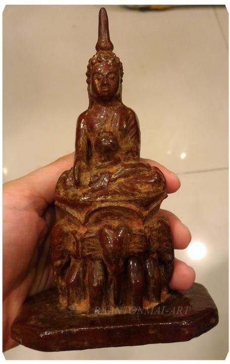 พระไม้แกะสลักศิลปะพม่า สูง 14.5 cm.