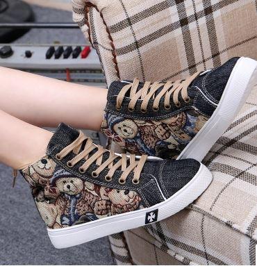 รองเท้าผ้าใบยีนส์ลายหมีแฟชั่น