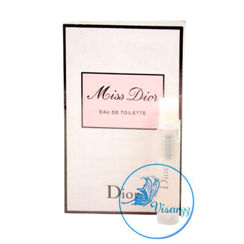 Dior Miss Dior EDT 1 mL โดดเด่นด้วยแนวกลิ่น A Modern Chypre เต็มเปี่ยมด้วยเสน่ห์อันน่าลุ่มหลง เผยความเลอเลิศดุจชุดราตรียาวที่เฉิดฉาย