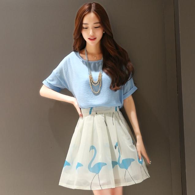 ชุดแฟชั่นนเกาหลีสวยๆ set เสื้อและกระโปรงสุดสวย พร้อมสร้อยคอ