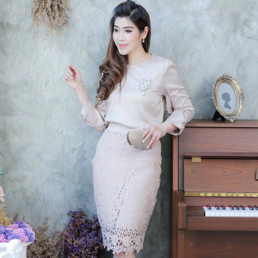 ฃุดเดรสสวยหรูออกงาน/ไปงานแต่งงานสีครีมทอง เสื้อแขนยาว + กระโปรงลูกไม้เข้ารูป