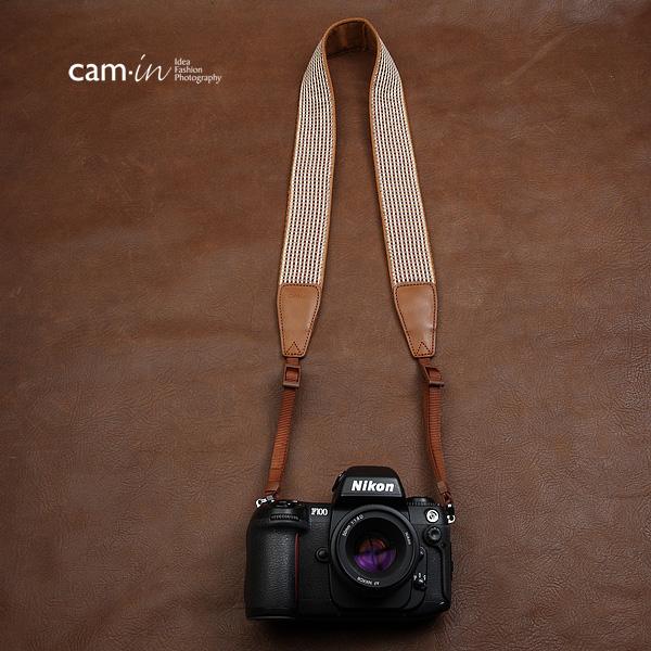 สายคล้องกล้องลายทางสีน้ำตาล cam-in Earth Tone