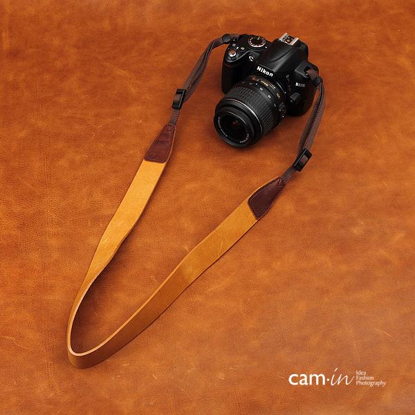 สายคล้องกล้องหนังแท้คล้องคอ cam-in รุ่น Modern Leather หนังเรียบ สีน้ำตาลอ่อน