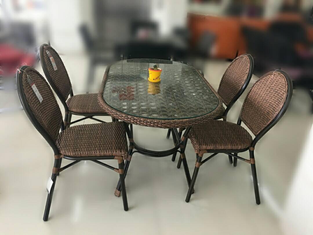 ชุดโต๊ะหวาย 4 ที่นั่ง JANGLE