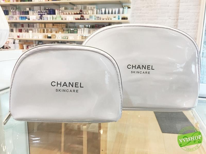 Chanel กระเป๋าใส่เครื่องสำอางจากแบรนด์หรู ไฮโซ Size B