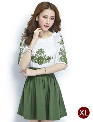 ชุดเดรสทำงานสวยๆ โทนสีขาวเขียว ผ้าชีฟอง คอยืด ปักลายเก๋ๆ กระโปรงสีเขียว ไซส์ XL