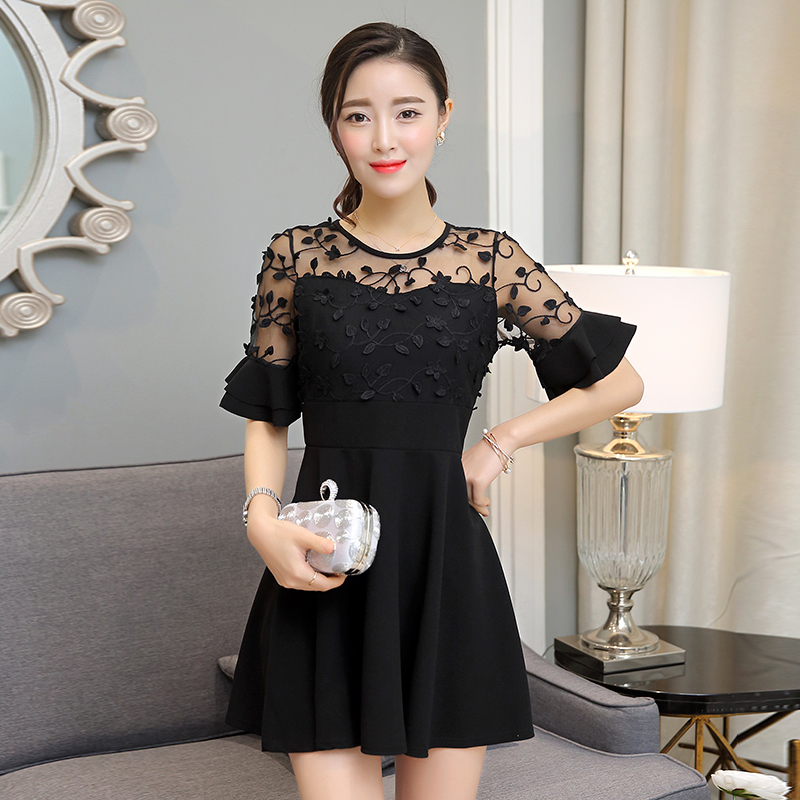 ชุดเดรสสีดำ แต่งลูกไม้ แขนสามส่วน สวยๆ น่ารัก แฟชั่นสไตล์เกาหลี