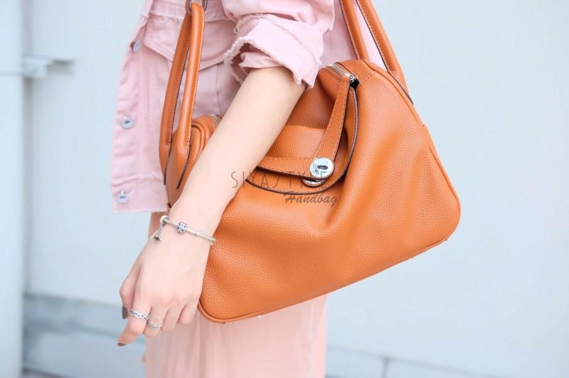 กระเป๋าสะพายแฟชั่น กระเป๋าสะพายข้างผู้หญิง LINDY (PU) [สีส้ม]