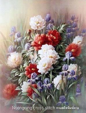 ดอกไม้สีขาวแดง ชุดปักครอสติช พิมพ์ลาย งานฝีมือ
