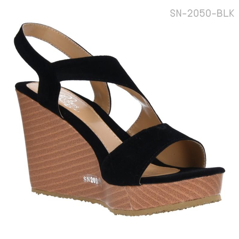 รองเท้าส้นเตารีดแบบรัดส้น หนังนิ่มบุกำมะหยี่ (สีดำ )