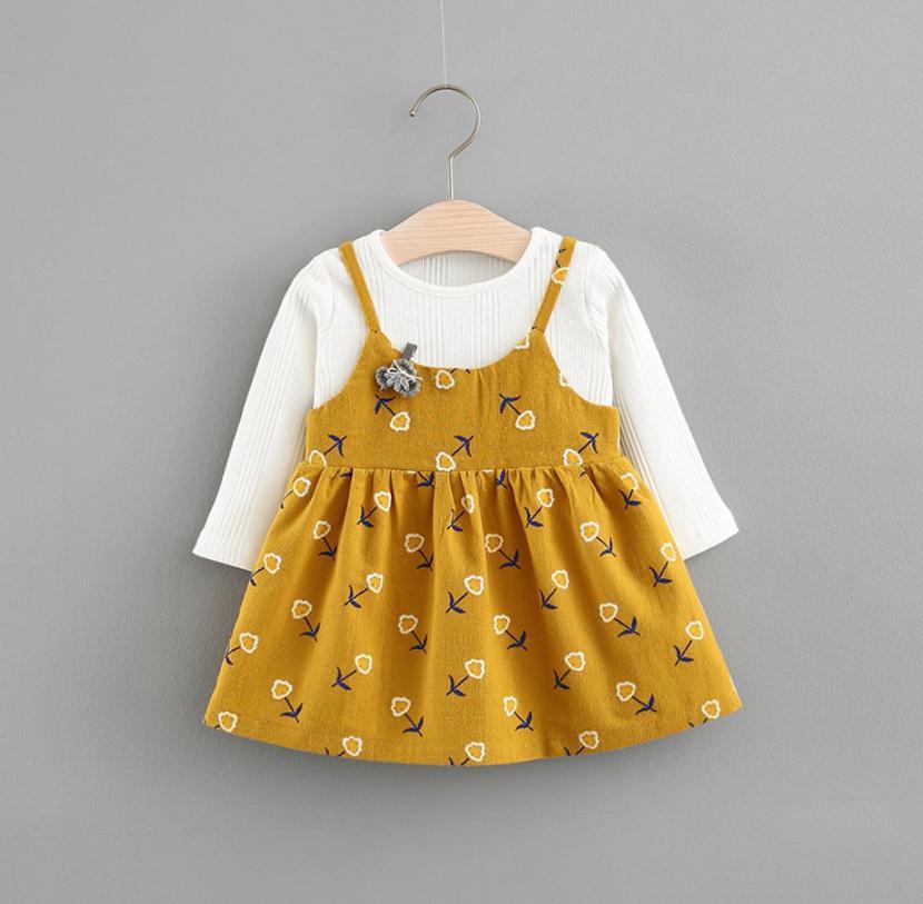 เสื้อ+เอี้ยมกระโปรง สีเหลือง แพ็ค 4 ชุด ไซส์ 70-80-90-100