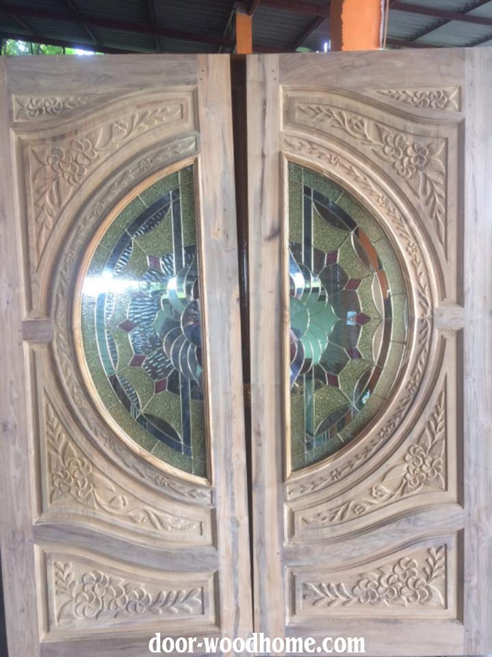 ประตูไม้สักกระจกนิรภัย แกะดอกไม้ เกรดA รหัส NNA179
