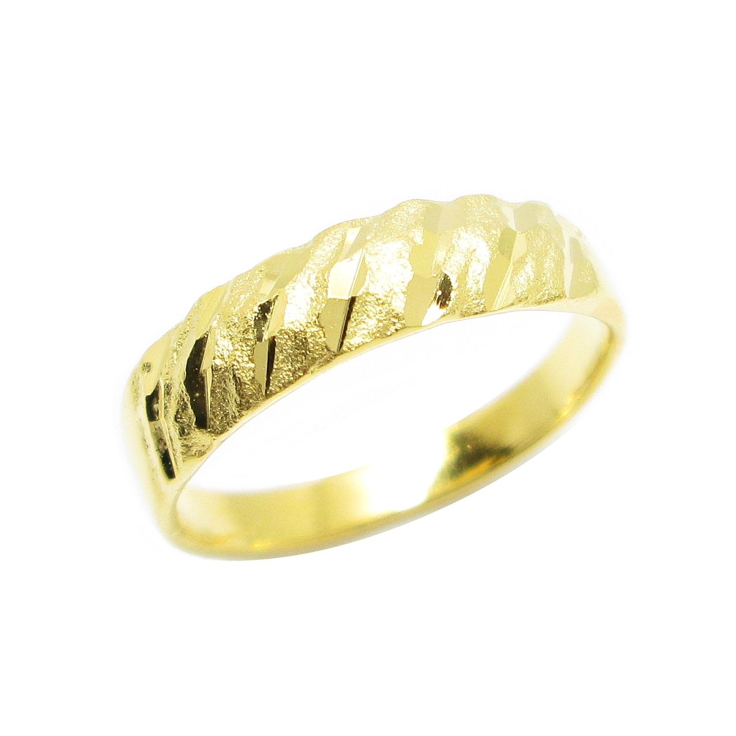 แหวนแถวเฉียงตัดลายพ่นทรายสลับเงาชุบทอง