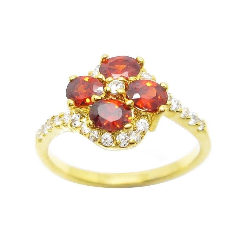 แหวนดอกไม้พลอยโกเมนประดับเพชรชุบทอง