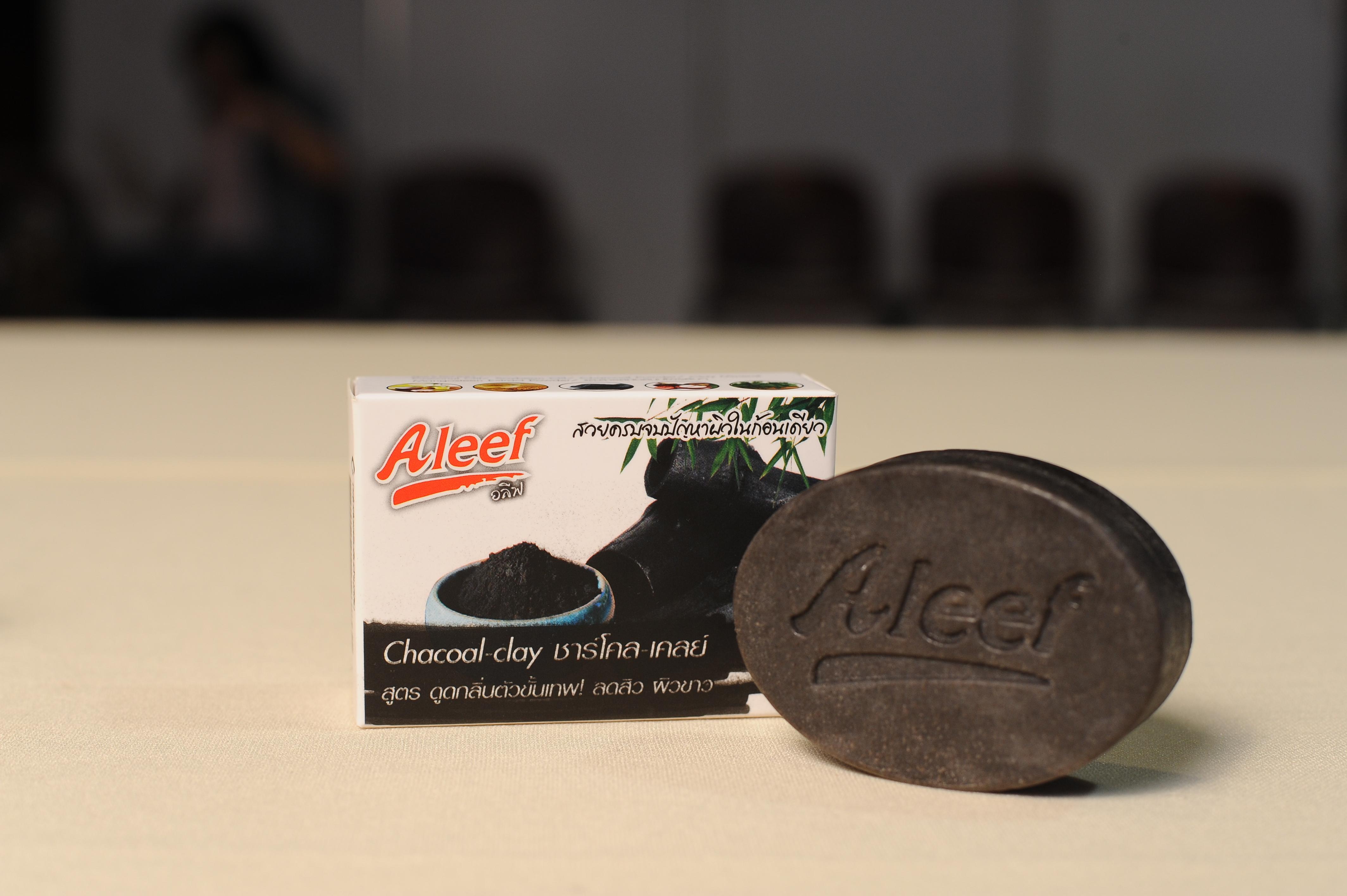 E00085 Aleef สูตร CHARCOAL CLAY SOAP