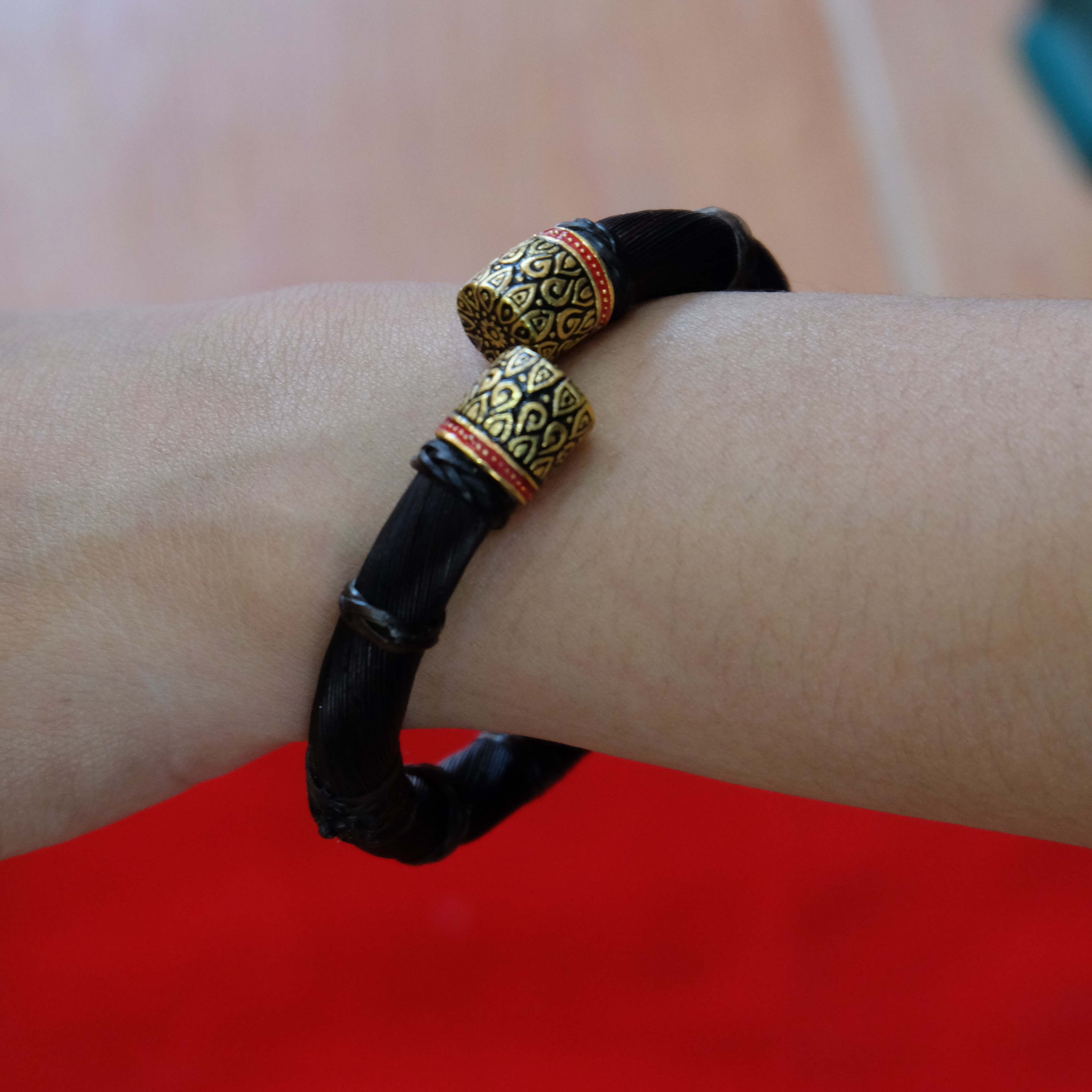 Handmade White Tail Hair Bracelet Bangle Bone Cover Thai Amulet Collectible 6mm