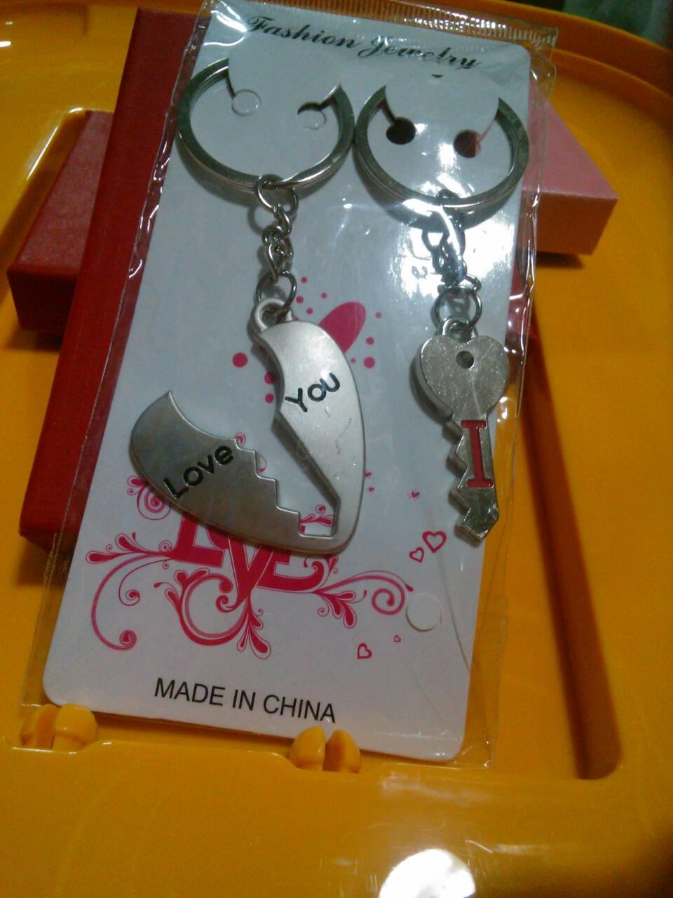 พวงกุญแจตู่รัก4 กุญแจผ่าหัวใจกลาง