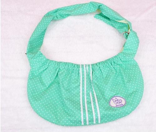 กระเป๋าสะพายใส่สุนัขและแมว สีเขียว