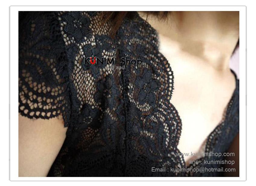 เสื้อซับเต็มตัว ผ้าลูกไม้ มีฟองน้ำเสริมที่หน้าอก   แขนสั้นระบาย ผ้ายืด งานสวยมากคะ    ขนาด FREE SIZE สำหรับผู้หญิงรอบอกไม่เกิน 34 นิ้ว    มี 2 สี ขาว และ ดำ