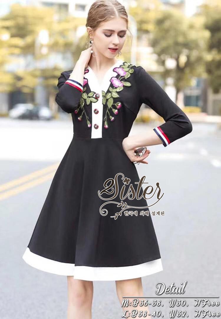 เดรสแฟชั่น เดรสสั้นลุคสวยน่ารัก เนื้อผ้า polyester สีดำ
