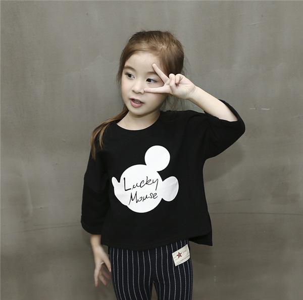 เสื้อยืดเด็กสีดำ ลายมินนี่ ผ้านิ่มใส่สบาย