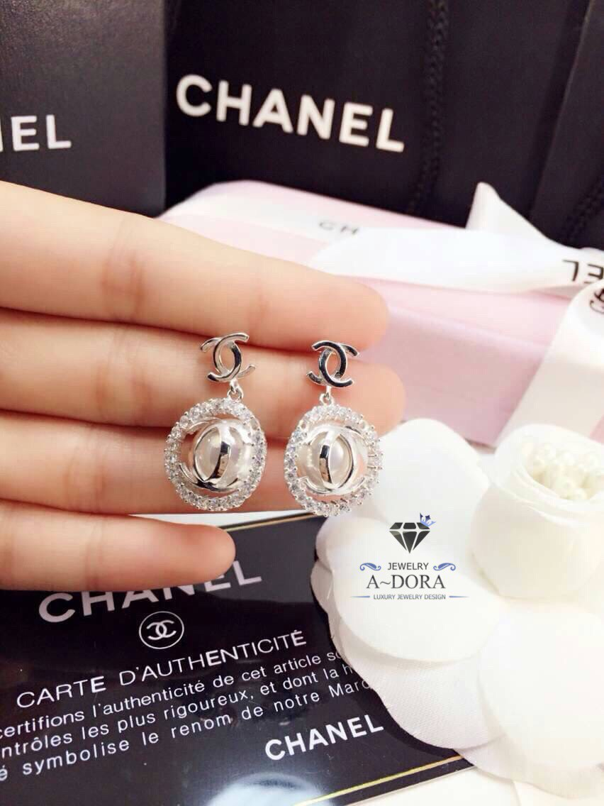 พร้อมส่ง ~ A~Dora Brand Pearl Chanel earrings Round Design Stud Earrings,Romantic Style