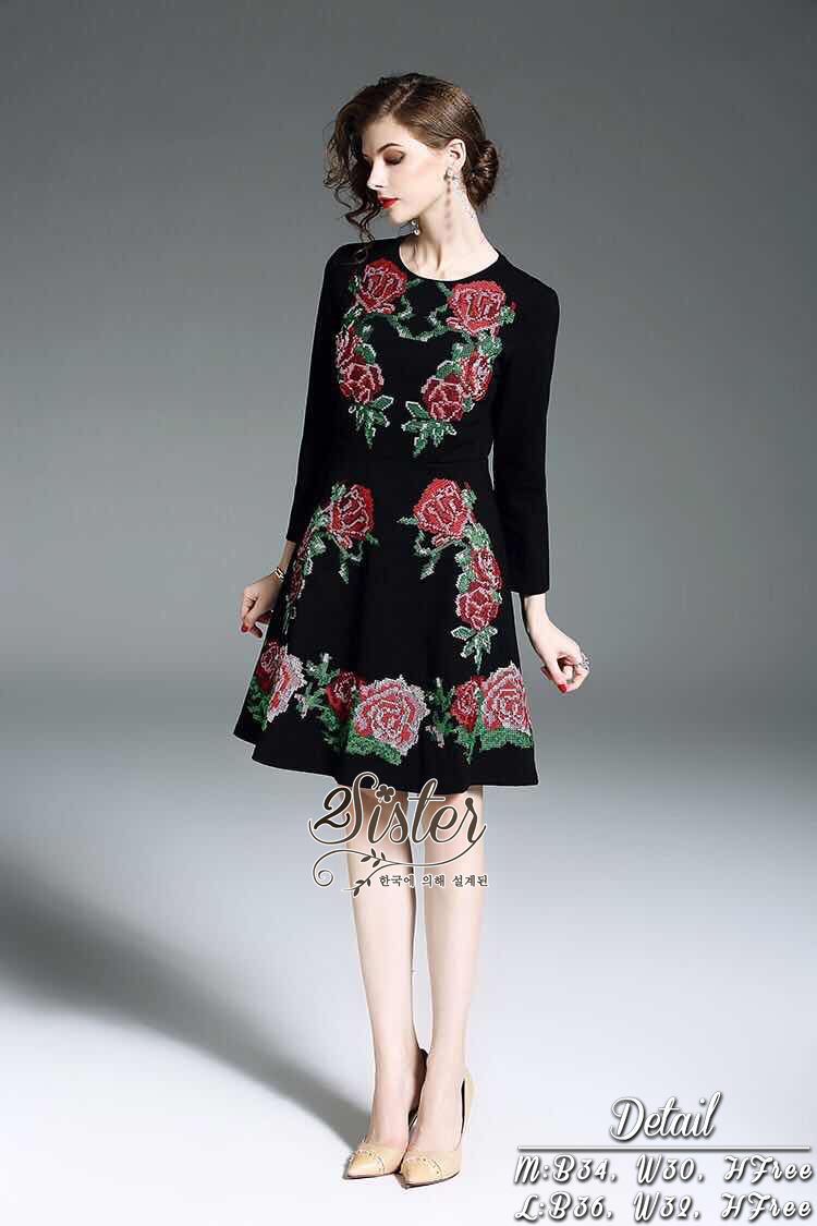 เดรสแฟชั่น เดรสสั้น เนื้อผ้า polyester สีดำ ปักเย็บลวดลายดอกกุหลาบ