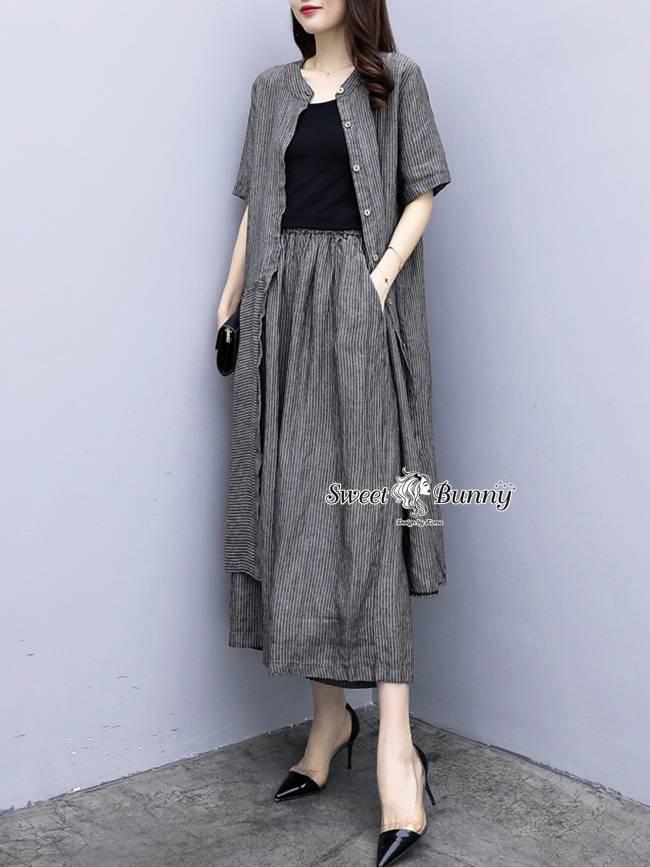 ชุดเซทแฟชั่น ชุดเซ็ทเสื้อคลุม+เสื้อตัวใน+กางเกงงานเกาหลี เนื้อผ้าทอลายริ้วสีเทาทั้งชุด