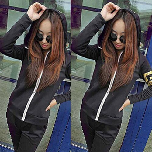 ++สินค้าพร้อมส่งค่ะ++Sport Set เกาหลี เสื้อ Jacket มี hood แขนยาว สกรีนลายด้วยดิ้นเก๋และกางเกงขายาว มี 4 สีค่ะ สีดำ