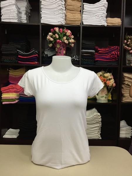 """เสื้อยืดคอกลม สีขาว size """"M"""""""
