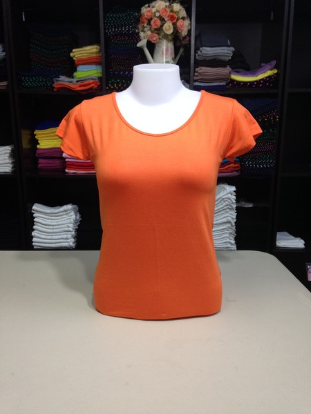 """เสื้อยืดคอกลม สีส้มสด size """"M"""""""
