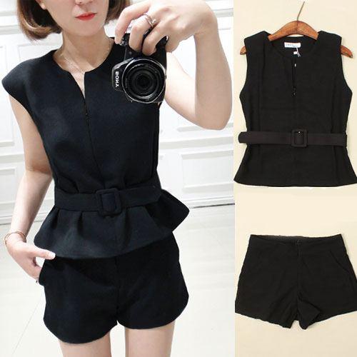 +สินค้าพร้อมส่งค่ะ++ ชุดเซ็ทเกาหลี เสื้อแขนเลย คอ V ซิบหน้า+กางเกงขาสั้นตัวเก๋ สไตล์สูท+เข็มขัด 1 เส้น – สีดำ