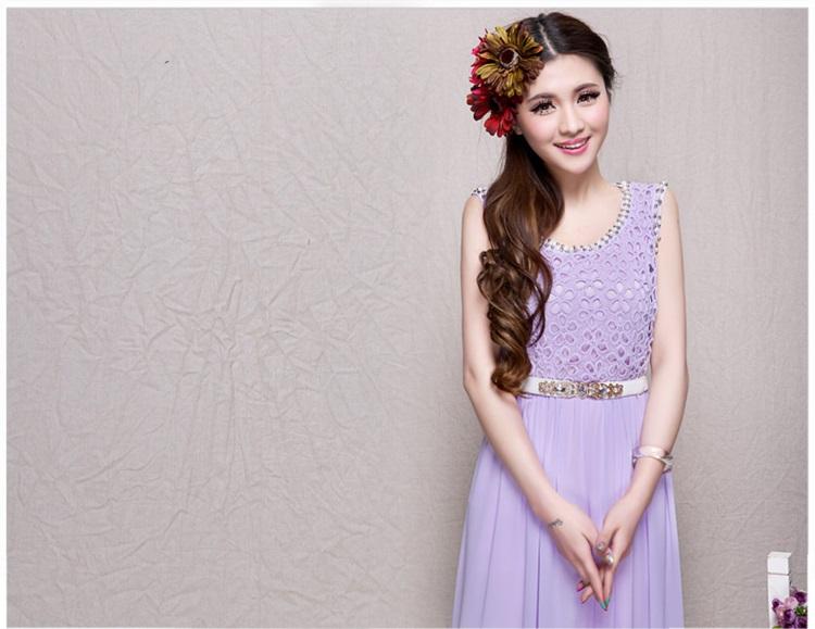 ชุดเดรสยาว ตัวเสื้อผ้าถัก ลายดอกไม้ สีม่วง แขนกุด พร้อมเข็มขัดเหมือนแบบ