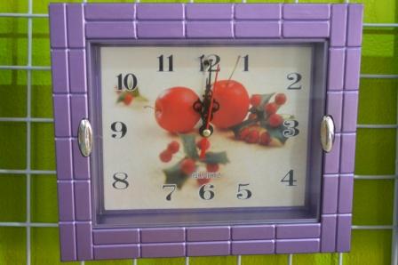 นาฬิกา 8.5 x7.5 นิ้ว คละลาย 6 ชิ้น รหัส 0218